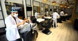 Berber Dükkanları Endişe ve Zamlarla Kapılarını Müşterilere Açtı