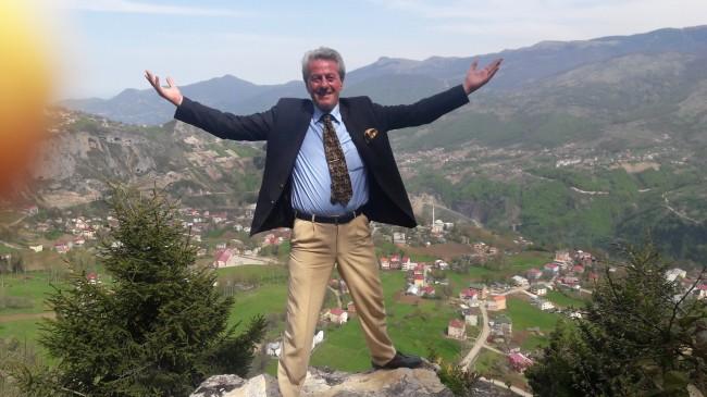 """Trabzonun Duayen Gazetecisi """" ADNAN SUNGUR """"  Yazılarıyla Haberin Yıldızında"""
