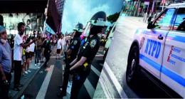 Amerikada Polisler Kelepçelerini  Asıyor