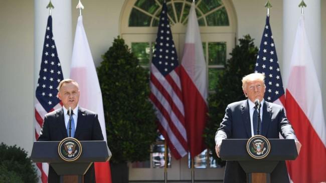 ABD Başkanı Trump: Almanya İttifak Maliyetini Ödemiyor ,Polonya ise Bırak Almanyayı Askerlerini Bize Gönder Diyor