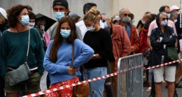 Almanya Haftalardır Korona Vakası Günde 500'ün altında iken Bir anda  Şimdi 800'ü aştılar
