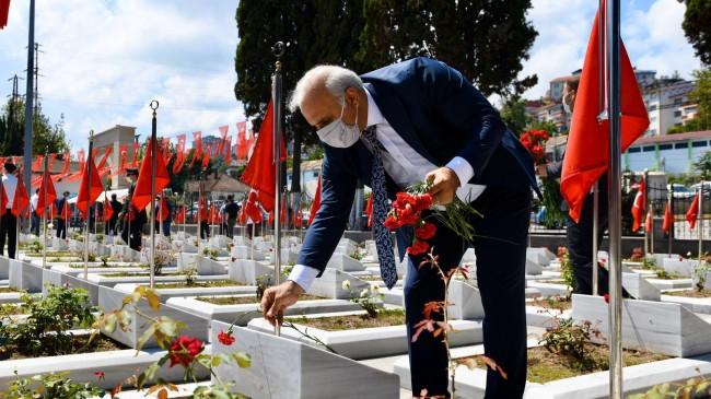 TRABZON'DA ŞEHİTLER UNUTULMADI DUALARLA  ANILDI