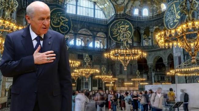 Devlet Bahçeli : Ayasofya Camii'ni Müslüman Gönüllerle Buluşmasını Engelleyecek Bir fani de Doğmamıştır.