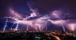 Yıldırım fırtınaları Hindistan'da 107 kişiyi öldürdü