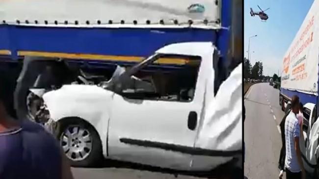 Samsunda Feci Kaza Araç Tırların Arasında Parçalandı