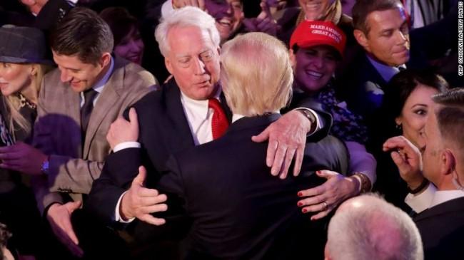 Trump Ağabeyini Kaybetti