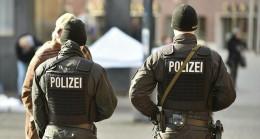 Almanya'da 29 Polis Açığa Alındı