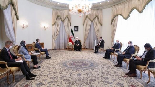 Ruhani: İran zorbalık karşısında teslim olmayacaktır