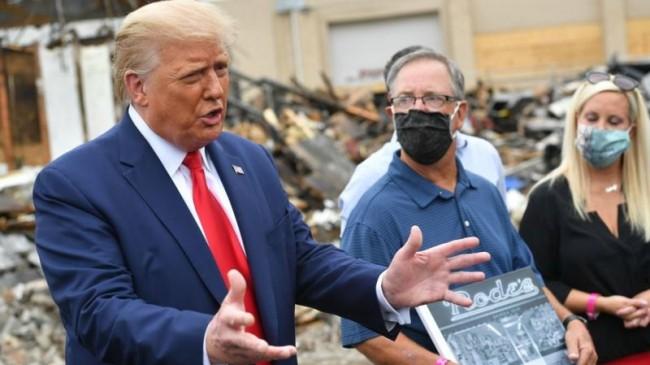 Trump Yerel Yöneticilere Hakaret Etmeye Devam Ediyor
