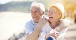 1 Ekim Dünya Yaşlılar Günü  … Her 4 yaşlıdan birinde 3 hastalık bulunuyor