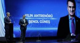 Yılın Teknik Direktörü Şenol Güneş ,Yılın Takımı A Milli Futbol Takımı