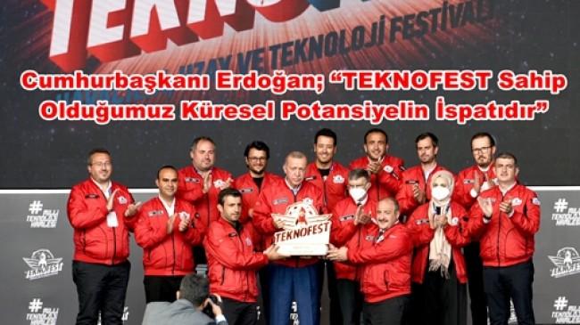 Cumhurbaşkanı Erdoğan :Gençlerimiz 2053 ve 2071 Türkiye'sinin Mimarları Olacaktır